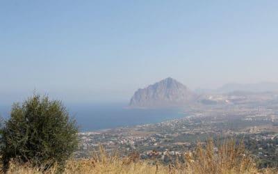 Blick von Erice auf den Monte Cofano