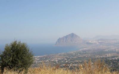 Erice Blick auf den Cofano-Berg (1)