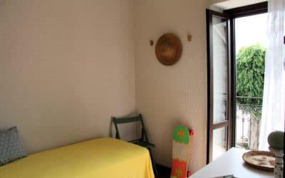 Ferienhaus Sant' Elia, kleines Schlafzimmer mit Balkon (2)