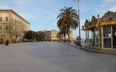 Sciacca Hauptplatz mit Meerblick