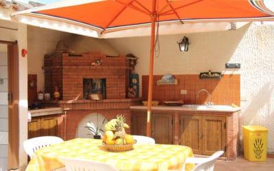 Villa Portopalo 6 Außenküche (3)
