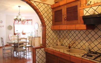 Villa Portopalo 6 Küche und Wohnzimmer (1)