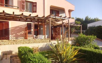 Villa Portopalo Terrasse der Ferienwohnungen (4)