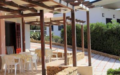Villa Portopalo Terrasse der Ferienwohnungen (6)