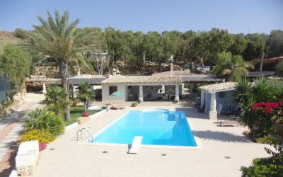 Villa Portopalo mit Pool und Garten (2)