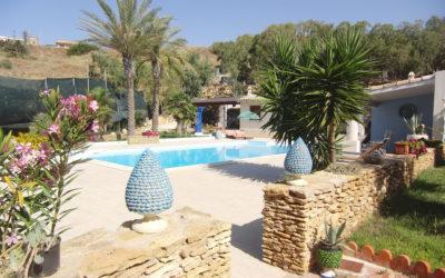 Villa Portopalo mit Pool und Garten (5)